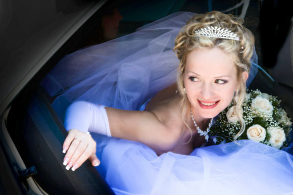 We provide limo rentals for weddings, bachelor parties and more!